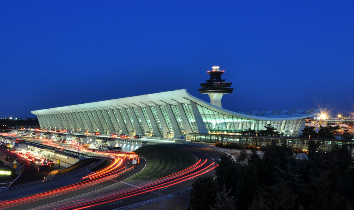 Washington Dulles International Airport at Dusk 1440x855 - Take The Stress Out Of Airport Travel With These 3 Handy Tips