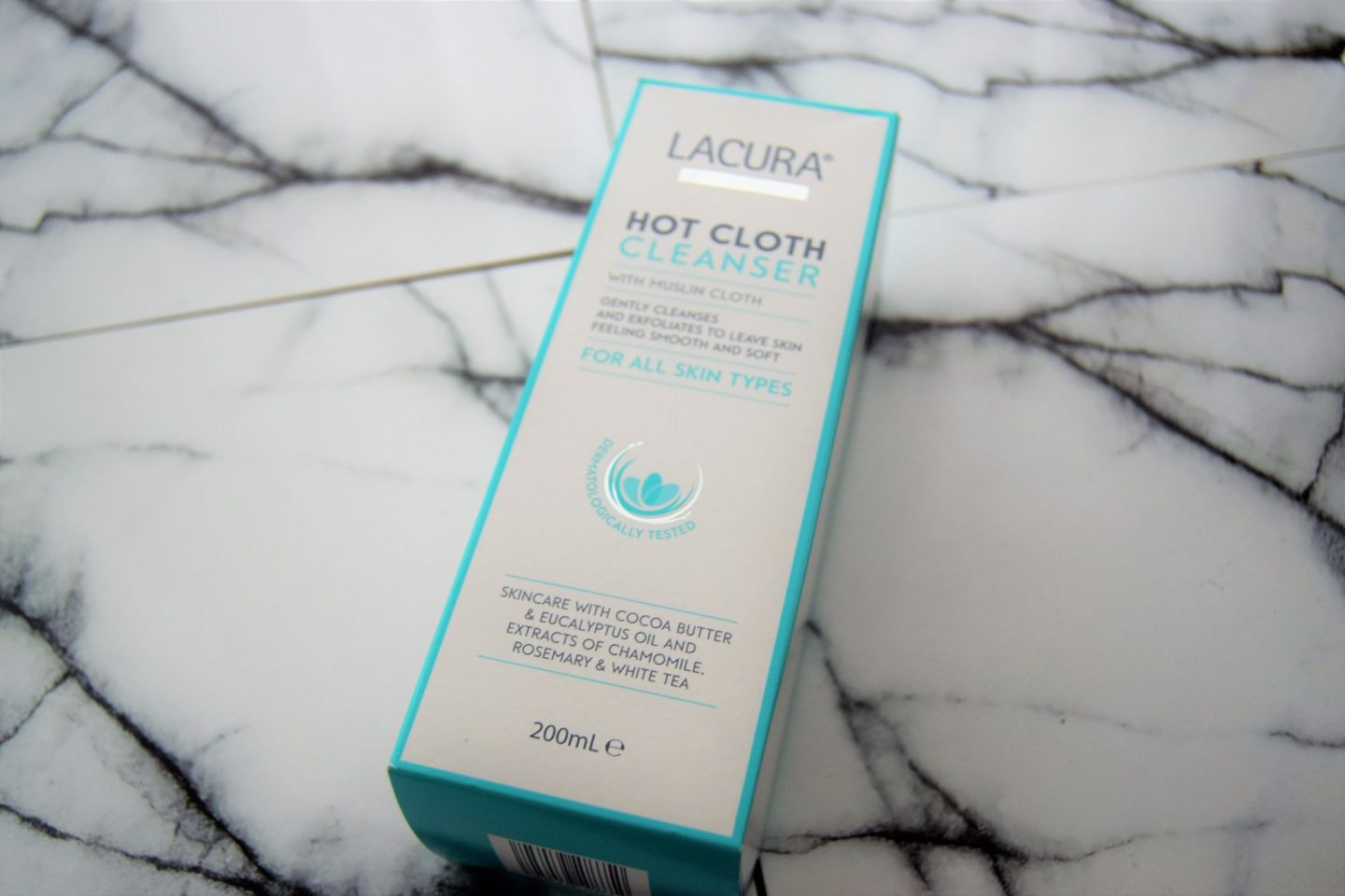 DSC 2506 1440x960 - Lacura: Hot Cloth Cleanser